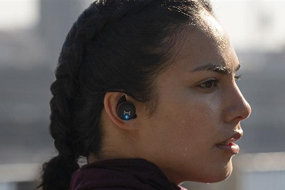 CES期间JBL推出多款真无线耳机